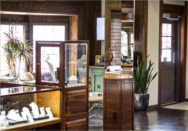 Contact Burnell's Fine Jewelry and Designs in Wichita, KS ...